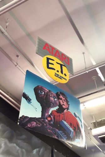 Atari E.T. STORE PROMO DISPLAY (MOBILE) Collector Item