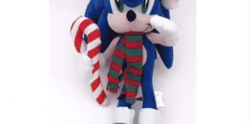 Sonic The Hedgehog Christmas Plush 2003 Sega Holiday Santa