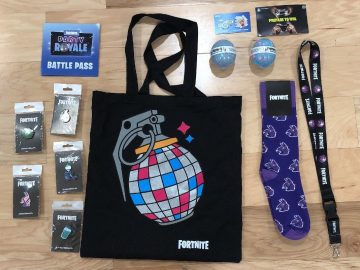 Fortnite Party Royale VIP Gift Bag 2500 V-Bucks Exclusive E3 Spray Card Epic