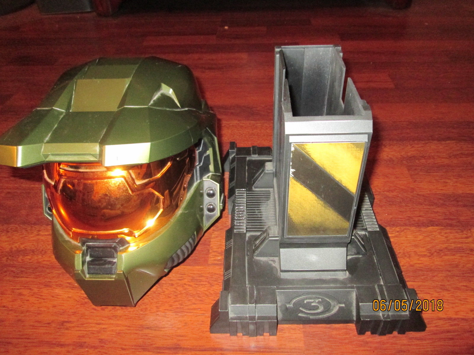 Halo 3 Master Chief Display Spartan Helmet Legendary Edition - No Box, No Game