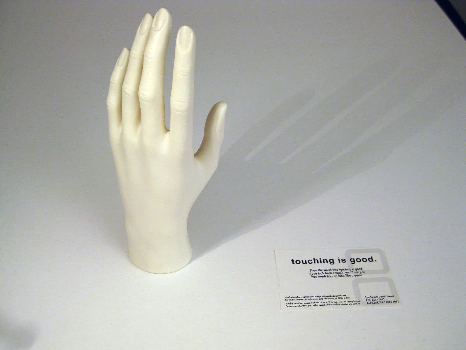 Nintendo DS Promotion Mannequin Hand Touching is Good