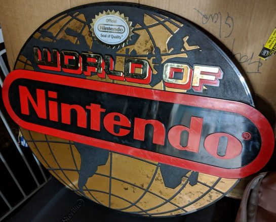 World of Nintendo Sign Globe Gaming NES SNES Display Vintage classic 1989
