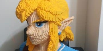 Legend of Zelda 8-bit Statue from Breath of the Wind done in LEGO Nintendo Wii Switch 4
