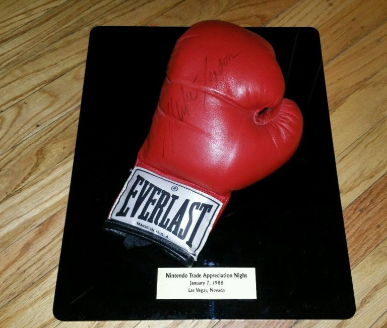 Nintendo Trade Appreciation Night Mike Tyson Punch Out Glove Signed 1988