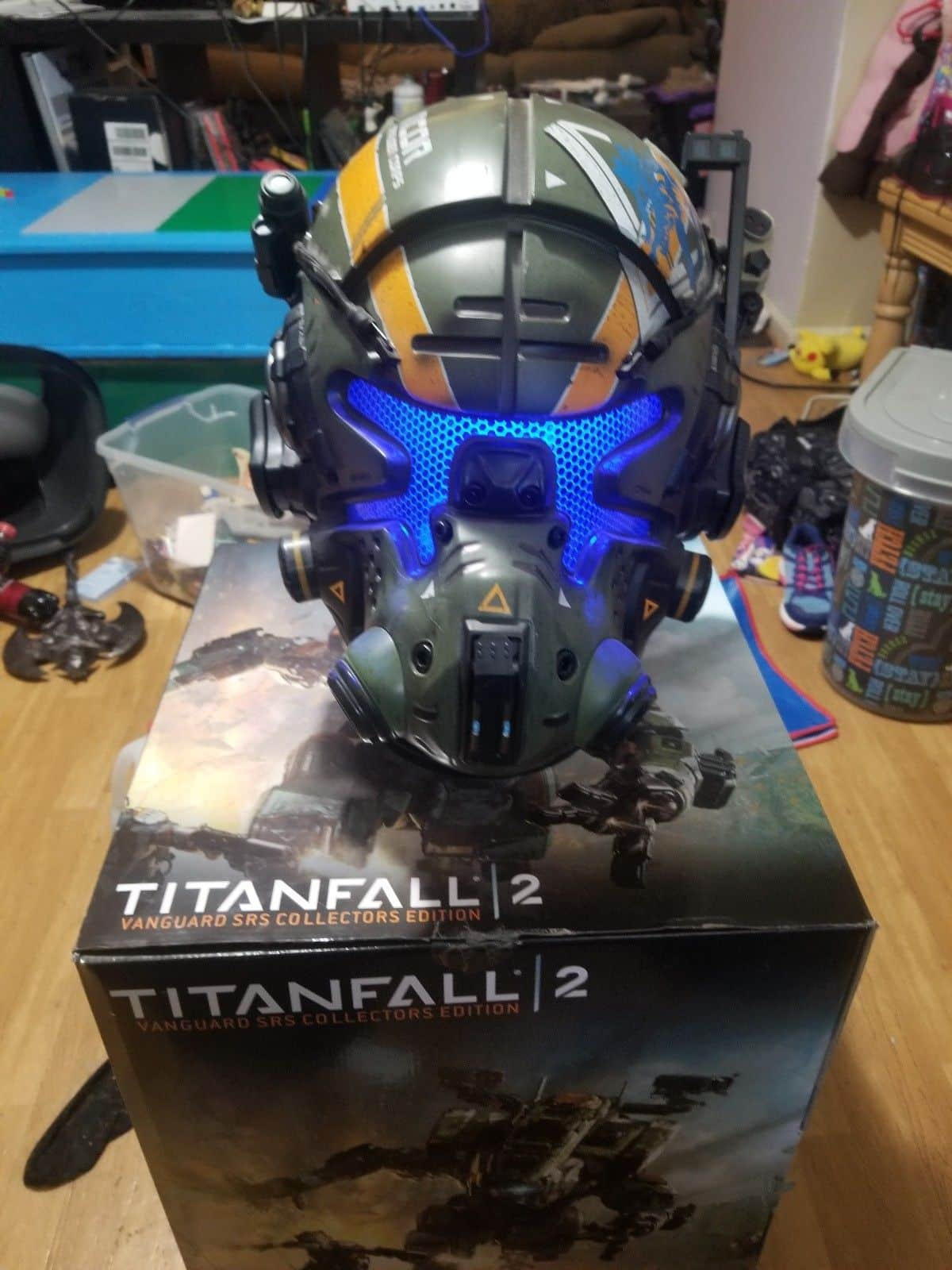 Titanfall 2 Vanguard Pilot Helmet Replica (wearable) No game 3