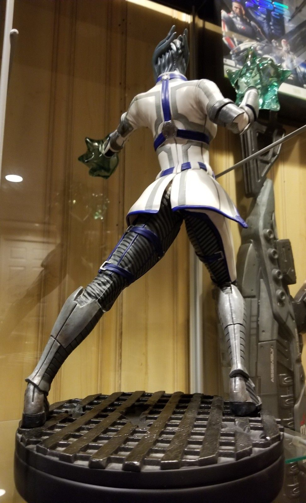 Liara T'soni Exclusive Gaming Heads Mass Effect Statue 2