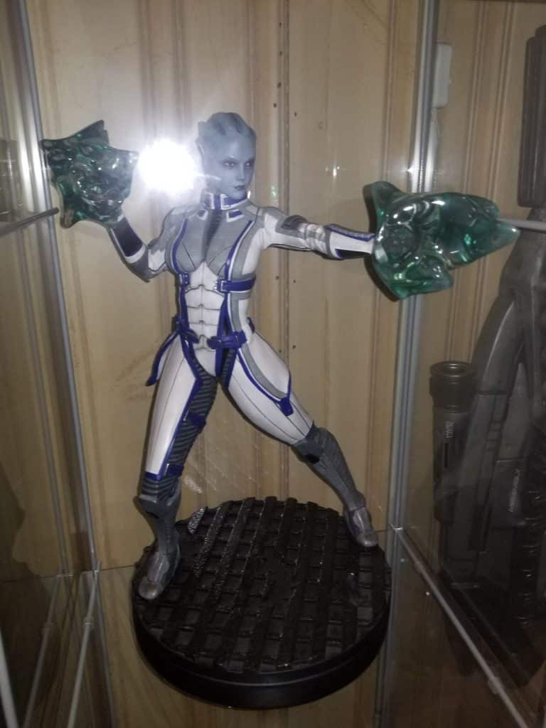 Gaming Heads Mass Effect Statue Collection Electronic Arts Figure Bust