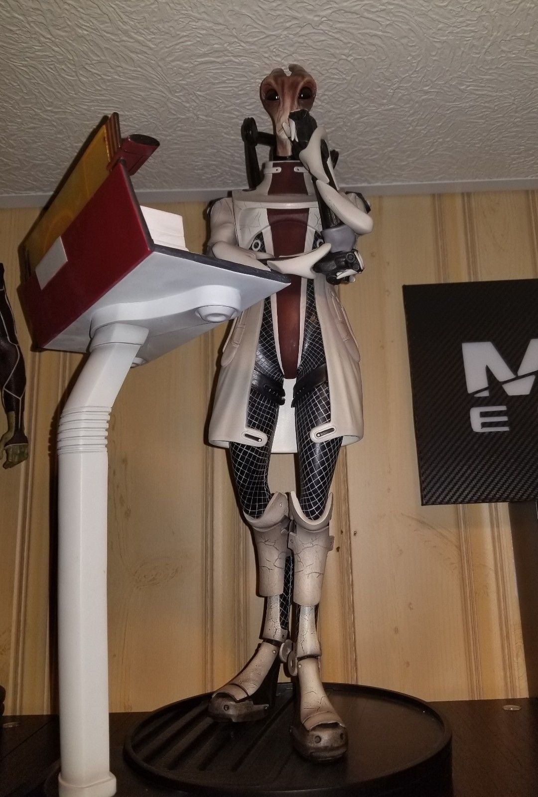 Mordin Exclusive Gaming Heads Mass Effect Statue