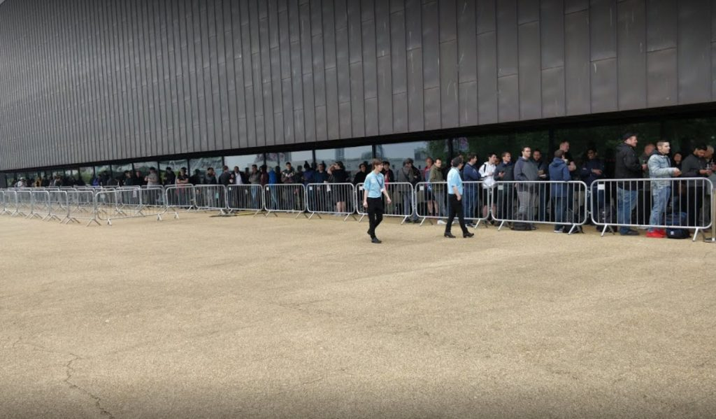CWL London Copper Box Arena Esports Event Outside Lineup