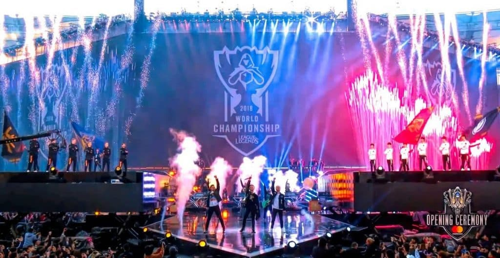 League of Legends World Finals Invictus Gaming vs Fnatic 2018 Esports