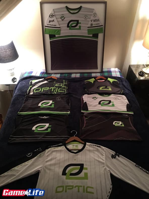 LOT of OpTic Gaming Jerseys CoD Esports