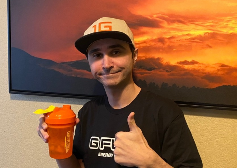 Summit1g Signs Contract With Twitch